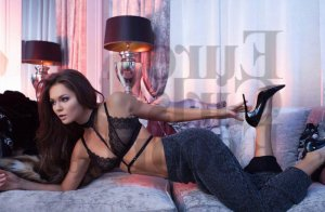 Aurelienne escorts, happy ending massage