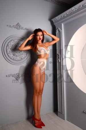 Elidie live escort, erotic massage